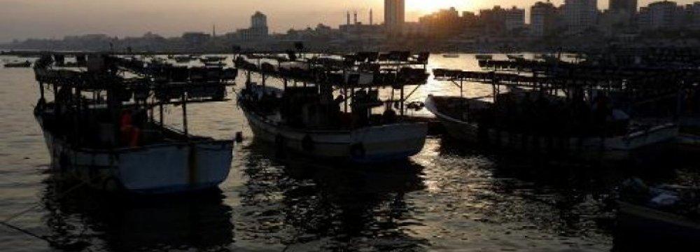 2 Gazan Fishermen Wounded, 4 Missing in Israeli Fire