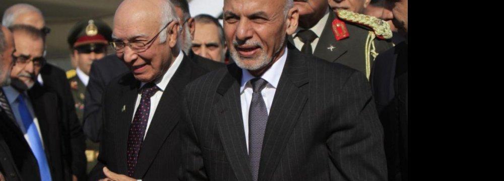 Ghani Visits Pakistan to Mend Ties