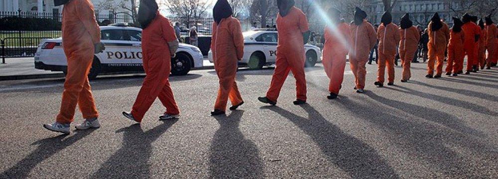 6 Gitmo Inmates Resettled