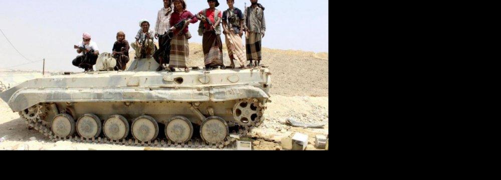 Houthis Make Gains, Push Back Hadi Loyalists