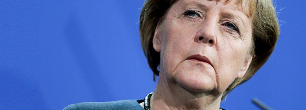 40% of Germans Want Merkel to Go