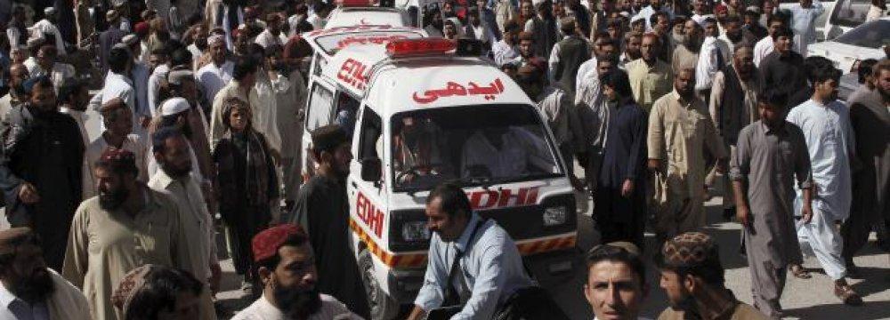 Gunmen Kill 22 in Pakistan Bus Attack