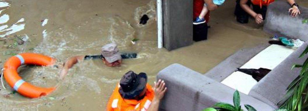 53 Die  in Philippines Floods