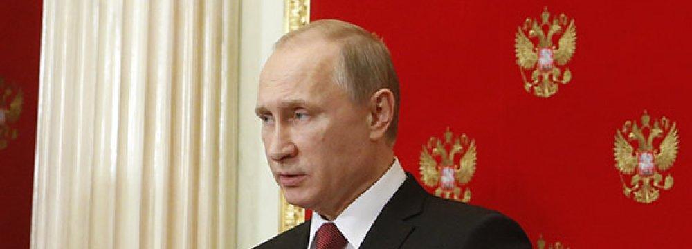 Putin Puts Fleet on Alert for Arctic Exercises