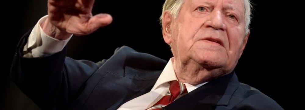 Helmut Schmidt Dies