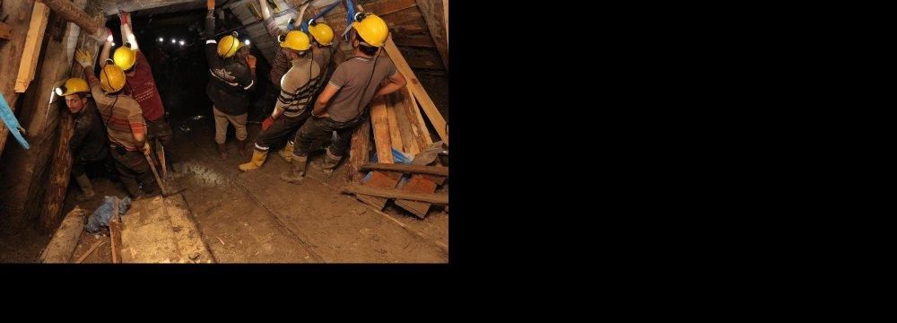 Ukraine Mine Blast Kills 30