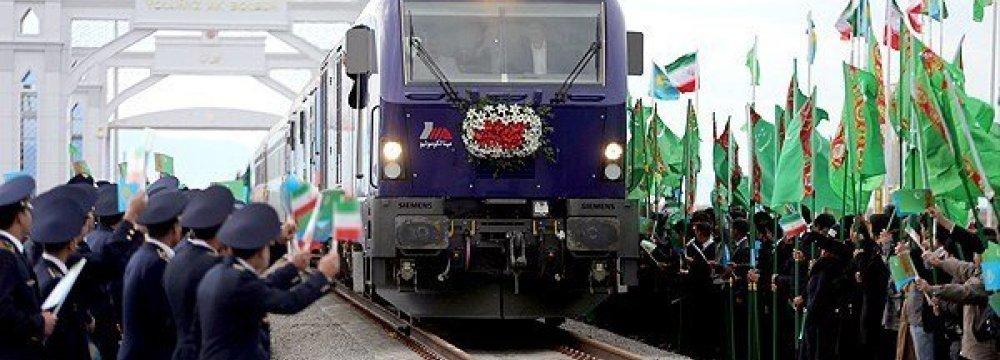 Turkmens Discuss New Transport Routes