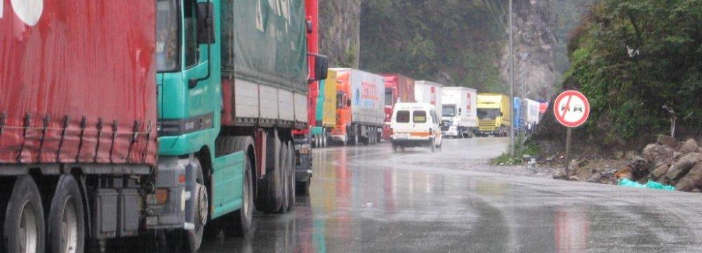 Truck Traffic Normal at Iran-Turkey Border