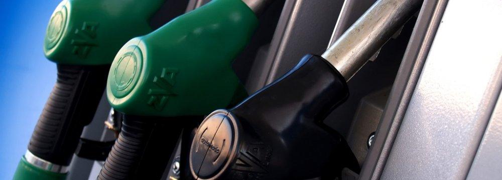 Diesel Market Opens at Iran-Pak Border
