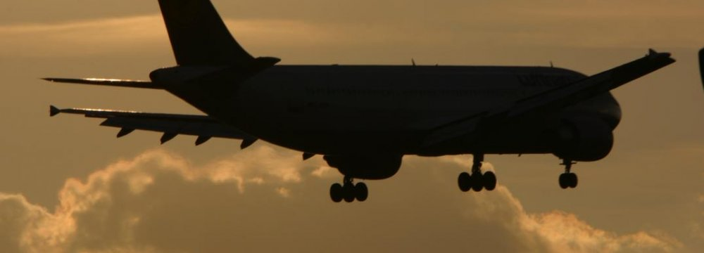 Int'l Airlines Prepare to Resume Flights to Tehran
