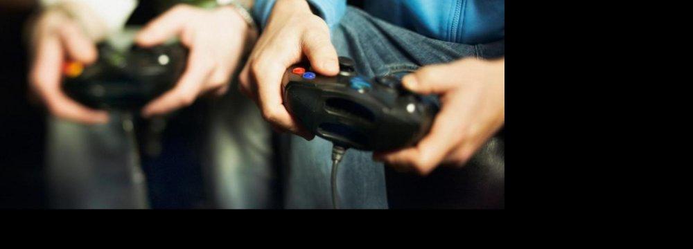 Kids Glued to Online Gaming Fare Poorly in Studies