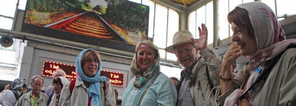 Australia Eases Travel Advisory