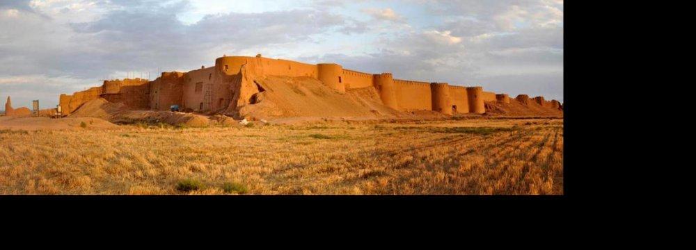 Kazakhs Discuss Joint Projects