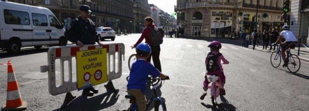 Dramatic Pollution Decline on Paris' Car-Free Day