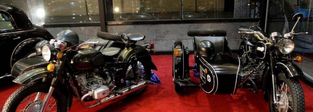 Qasr Museum Exhibits Vintage Cars, Motorcycles