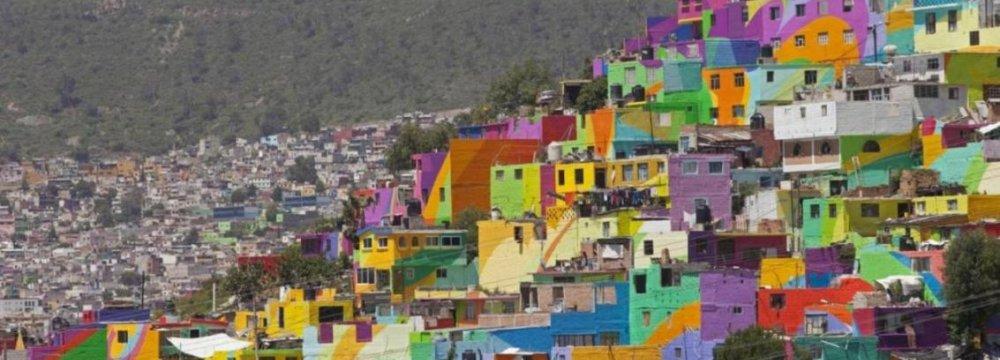 Working-Class Barrio Turns Into Huge Mural