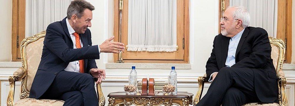Zarif, ICRC Chief Discuss Regional Crises