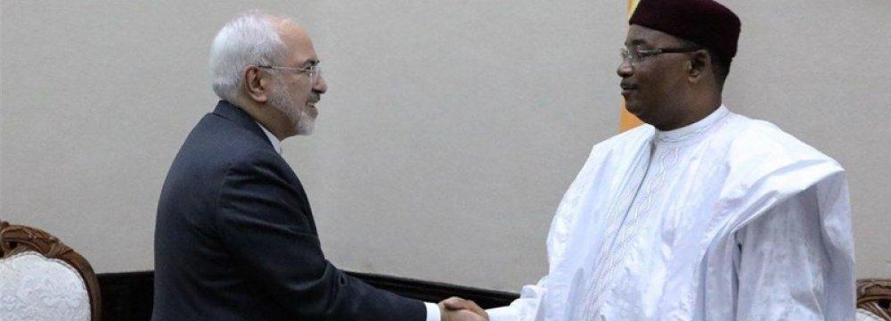 Zarif Meets Top Niger Officials