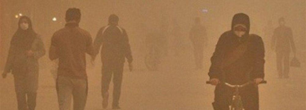 Sandstorm Sends 246 to Sistan Hospital