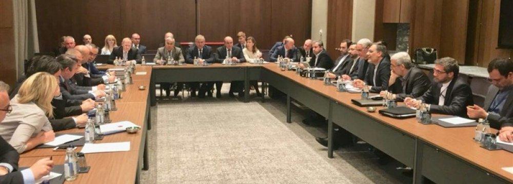 Trio Discusses Syria Peace Efforts