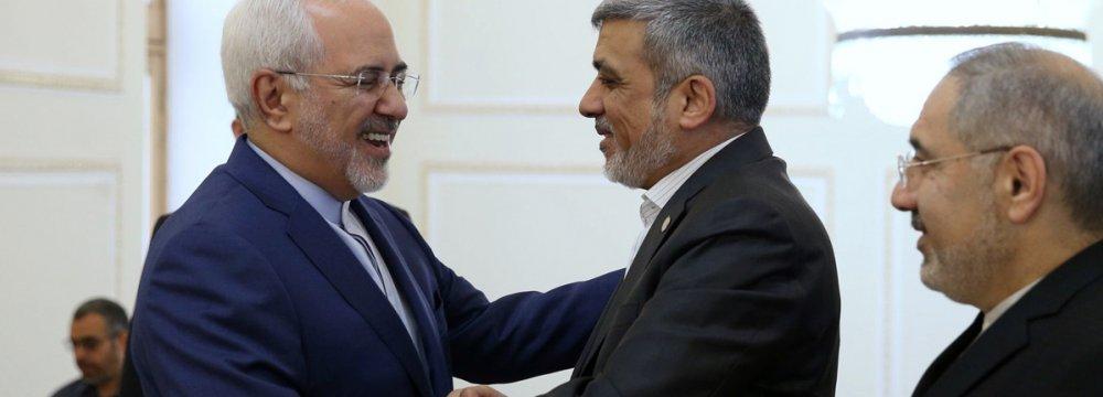 Zarif Meets Hamas Delegation