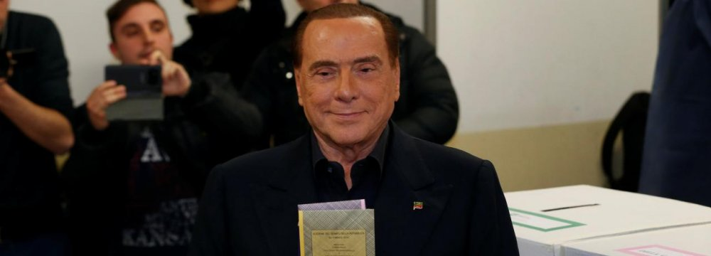 Berlusconi Calls on Defeated  Center-Left to Help Form Italian Gov't