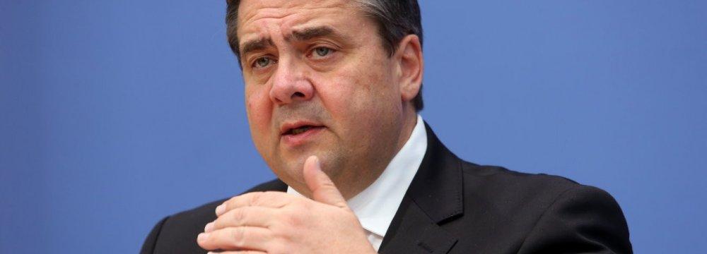 German FM Condemns Merkel for Kowtowing to US Militarism