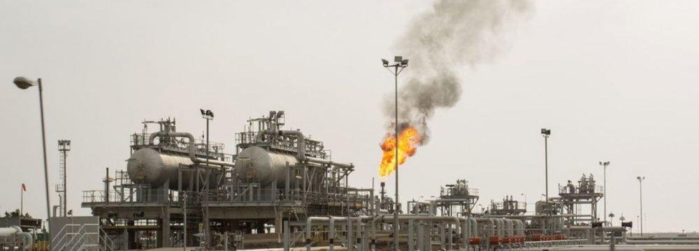 OPEC+ Pressures Iraq to Take Deeper Cuts