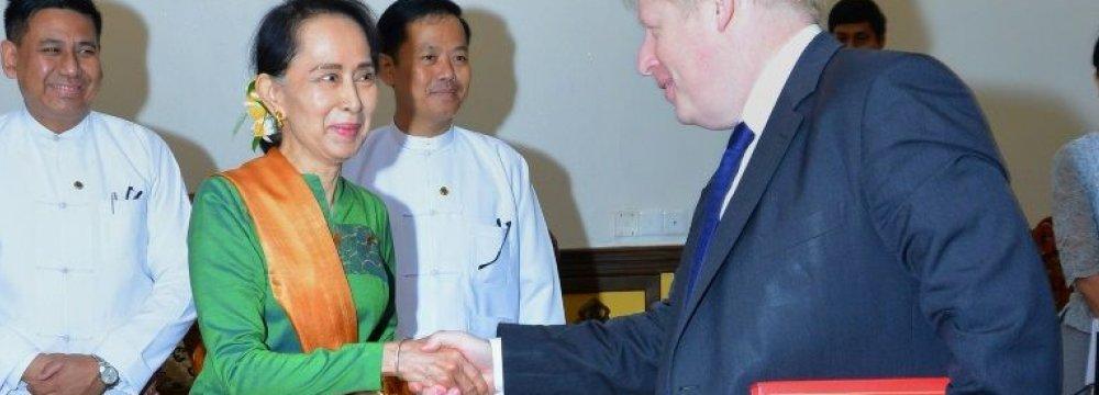UK's Johnson Meets Myanmar's Suu Kyi on Rohingya Crisis