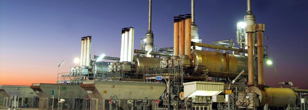 Kuwait Begins OPEC+ Cuts Ahead of Schedule