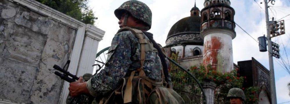 Philippine Military Urges Militants to Surrender