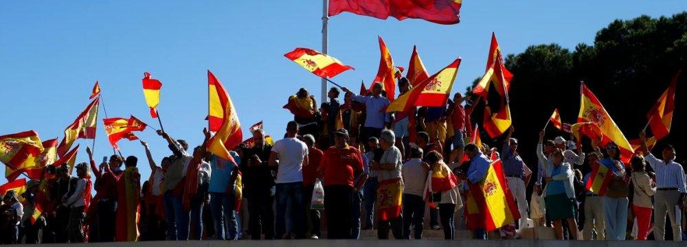 Merkel Discusses Catalan Crisis With Rajoy, EC's Juncker