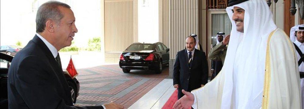 Erdogan Holds Talks in Qatar, Kuwait, Saudi Arabia