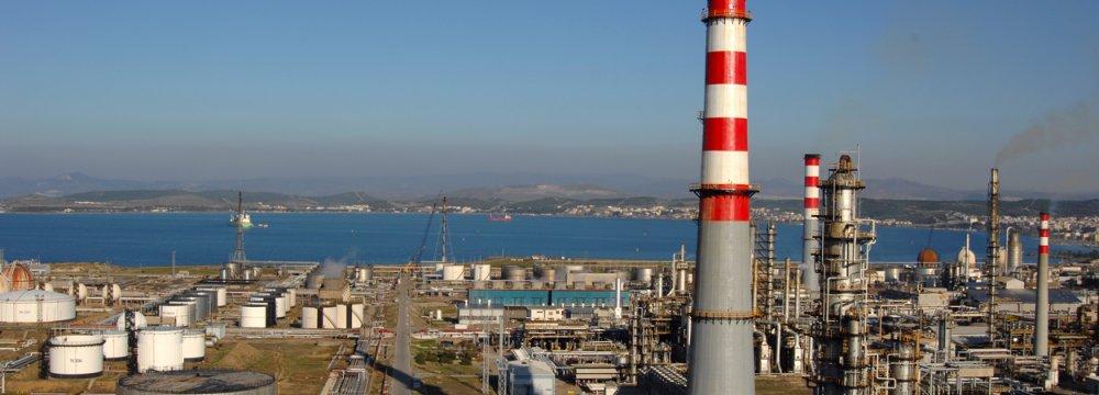 Turkey Refiner Seeking Waiver for Iran Sanctions