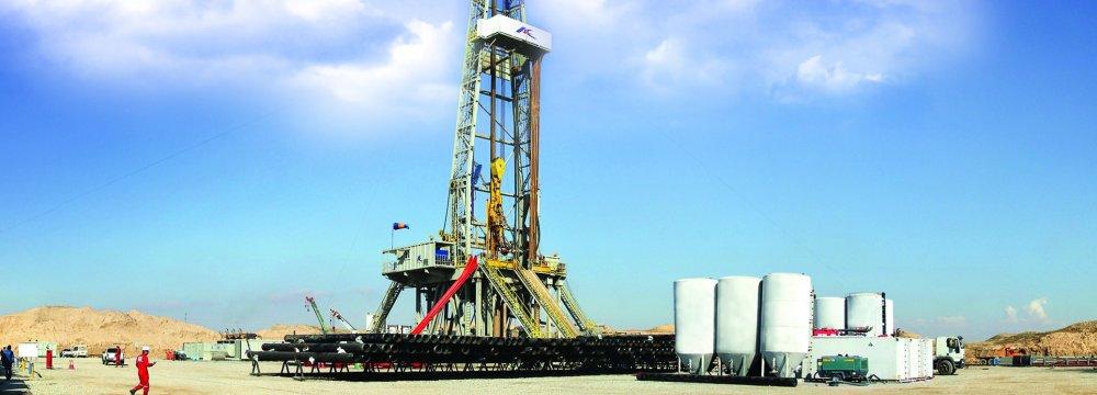 Azar Oilfield Output Stabilizes at 30,000 bpd