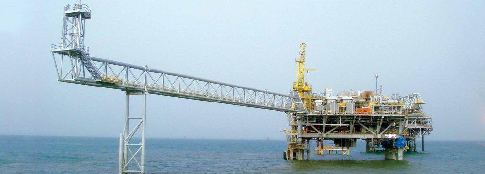 Iran Open to Azadegan Oilfield Development by Consortium