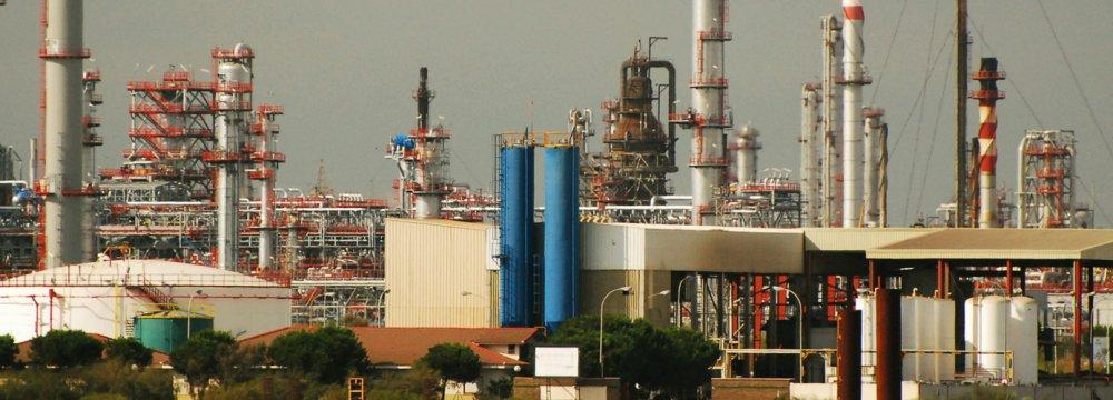 UAE Co. Pays $4b in Oil Dues