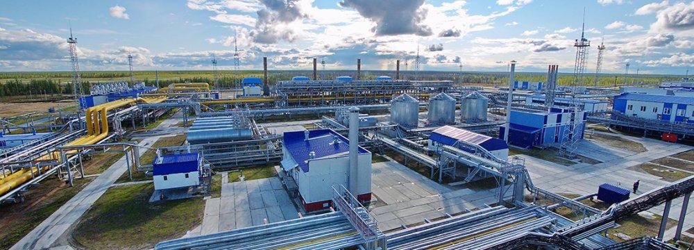 Gazprom Neft Presents Iran Oilfield Proposals