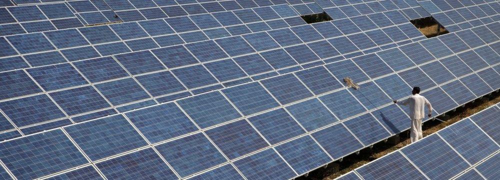 India's Renewable Investments Near $20 Billion