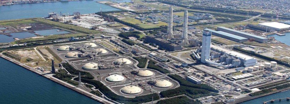 India Renegotiates LNG Deal With Exxon Mobil