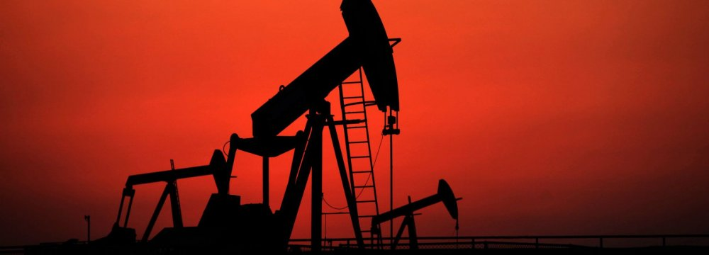 Oil Slumps to 3-Week Low