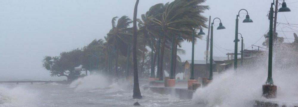 Oil Weakens on Irma Fears