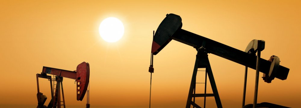 Russia, S. Arabia Pushing for Oil Cut Deal Extension