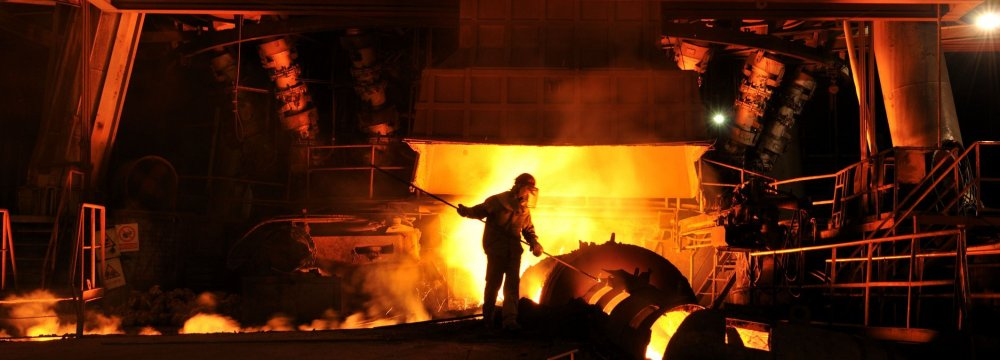 Global steelmakers produced 550.84 million tons of crude steel during the four months, up 5.2% year-on-year.