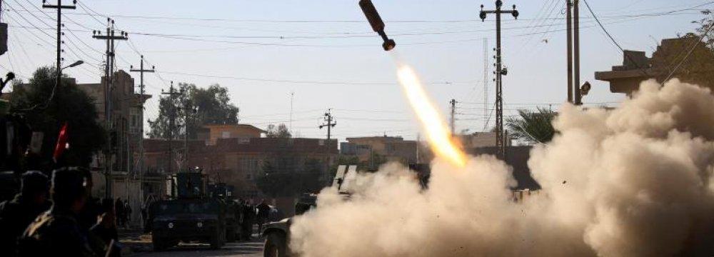 Iraqis Reach 2nd Mosul Bridge