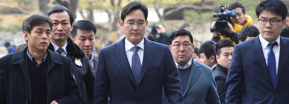 Samsung Heir Indicted for Fraud, Bribery