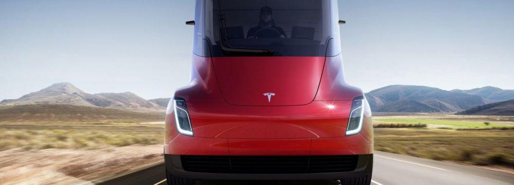 Tesla Again Promises Electric Pickup