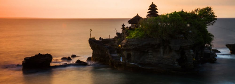 Chinese Travel to Bali Jumps Despite Volcano Woes