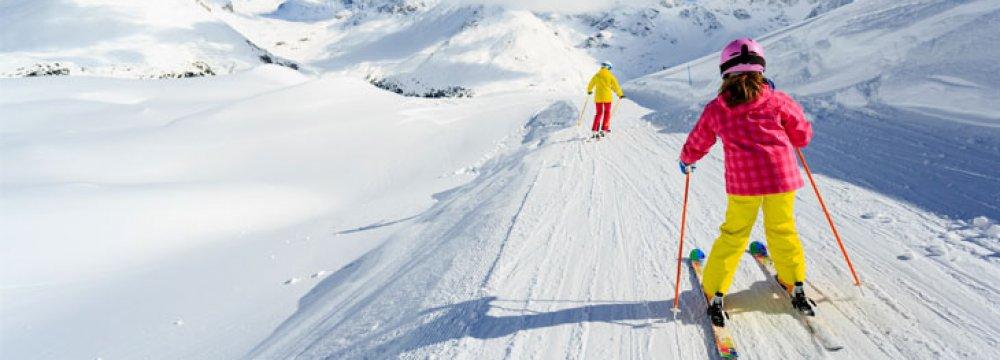 Tourism officials argue that imposing a winter break can help boost domestic tourism.