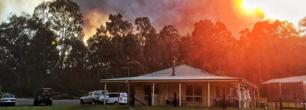Australia Bushfire Closes Airport
